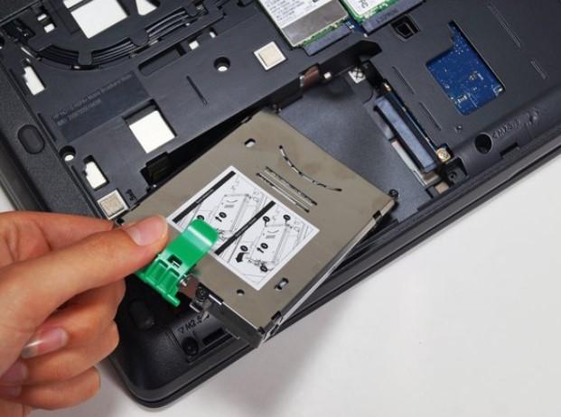 تعویض هارد درایو HP ZBook 15