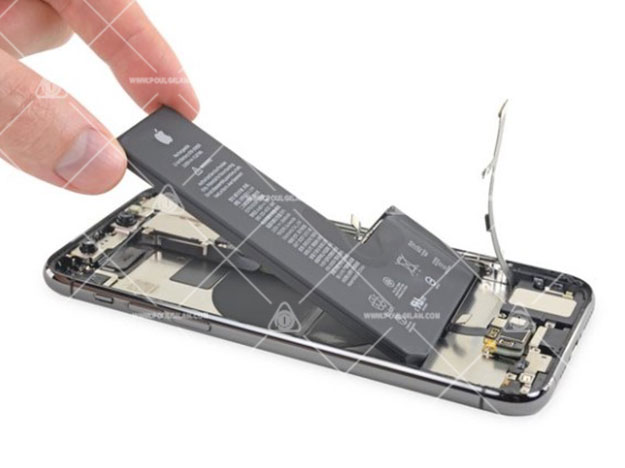 تعویض باتری iPhone 11 pro