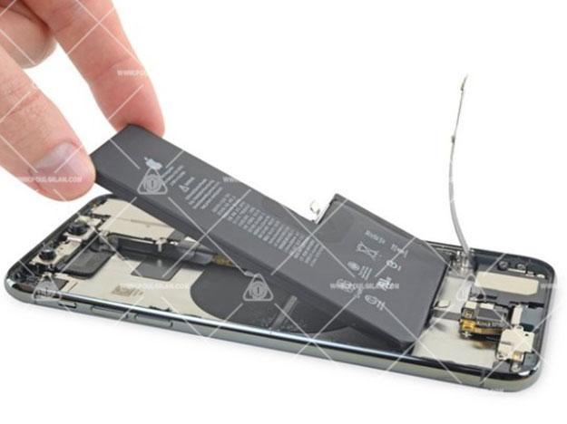 تعویض باتری iPhone 11 Pro Max