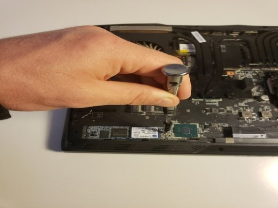 تعویض SSD M.2 در MSI GT62VR 6RD Dominator