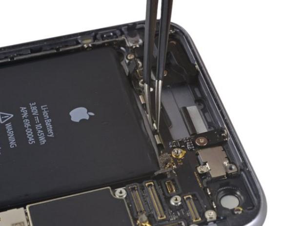 تعویض برد iPhone 6s plus