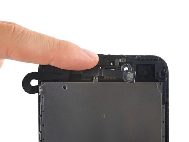 تعویض دوربین جلو و کابل سنسور آیفون 7 پلاس