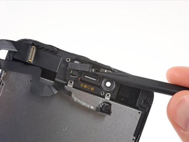 تعمیر دوربین سلفی iPhone 7 plus