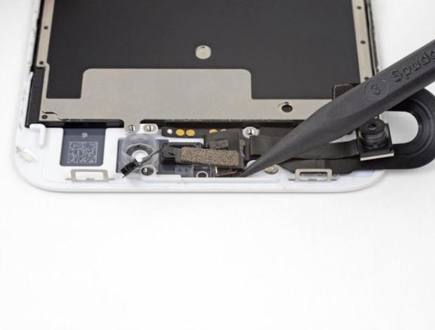 تعویض دوربین جلو و کابل سنسور آیفون 8