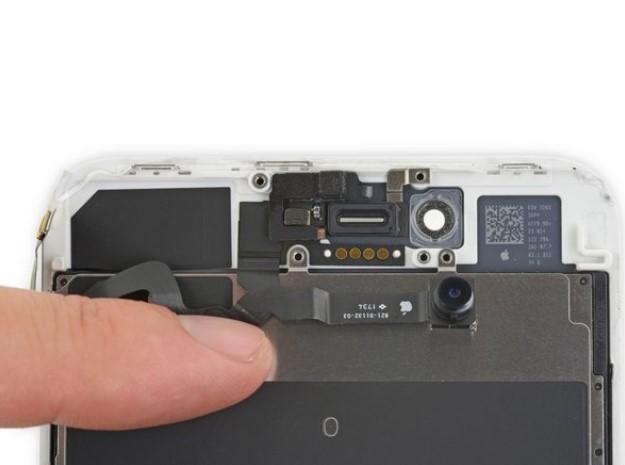 تعویض دوربین جلو و کابل سنسور آیفون 8 پلاس