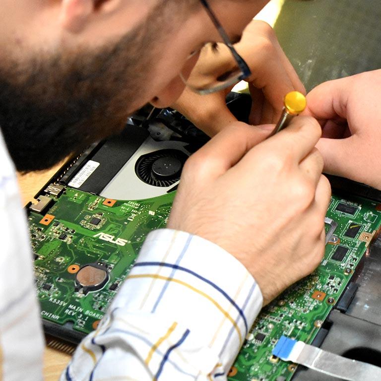 آموزش تعمیرات لپتاپ در رشت